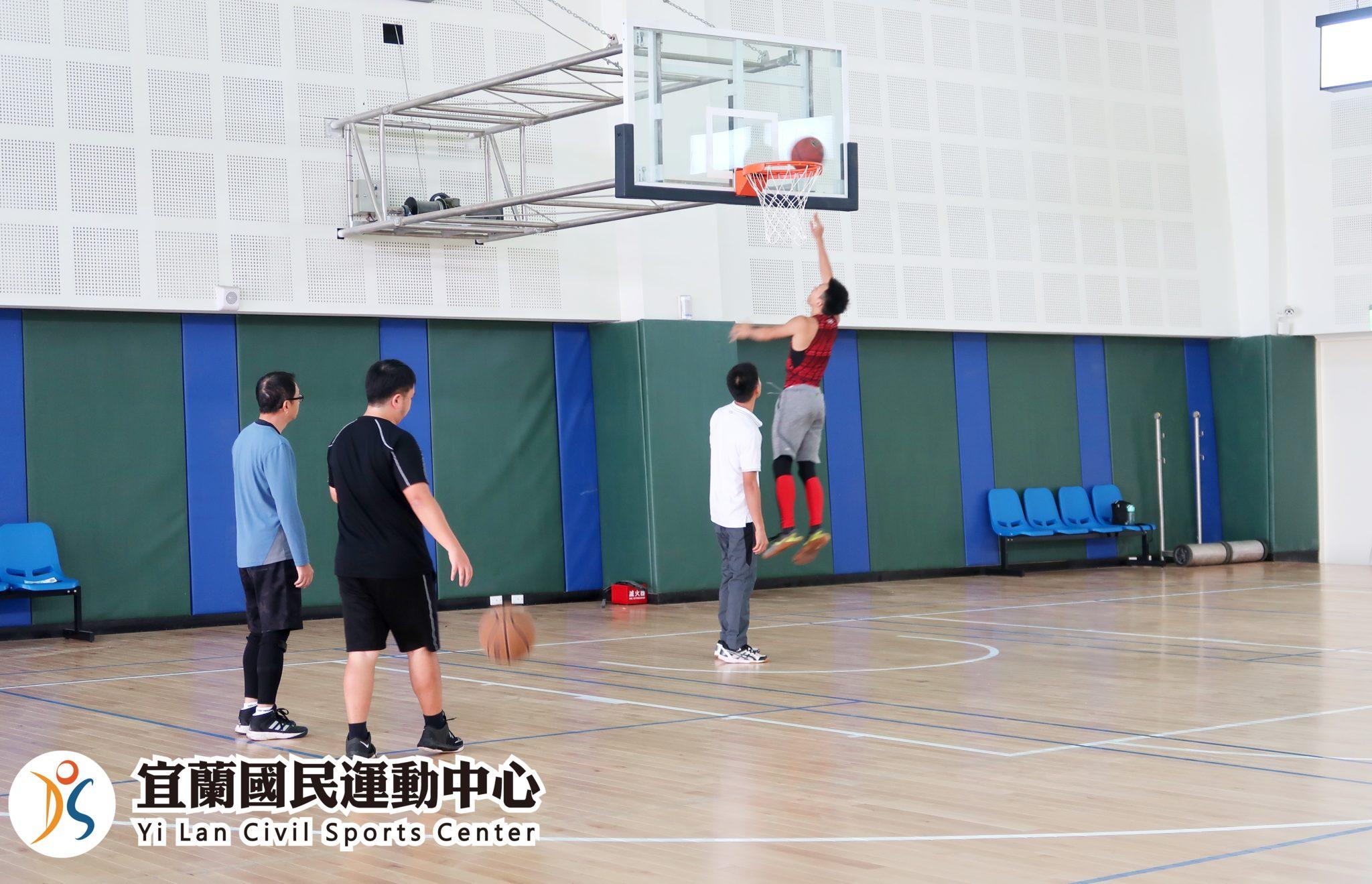 綜合球場打籃球實況(jpg)