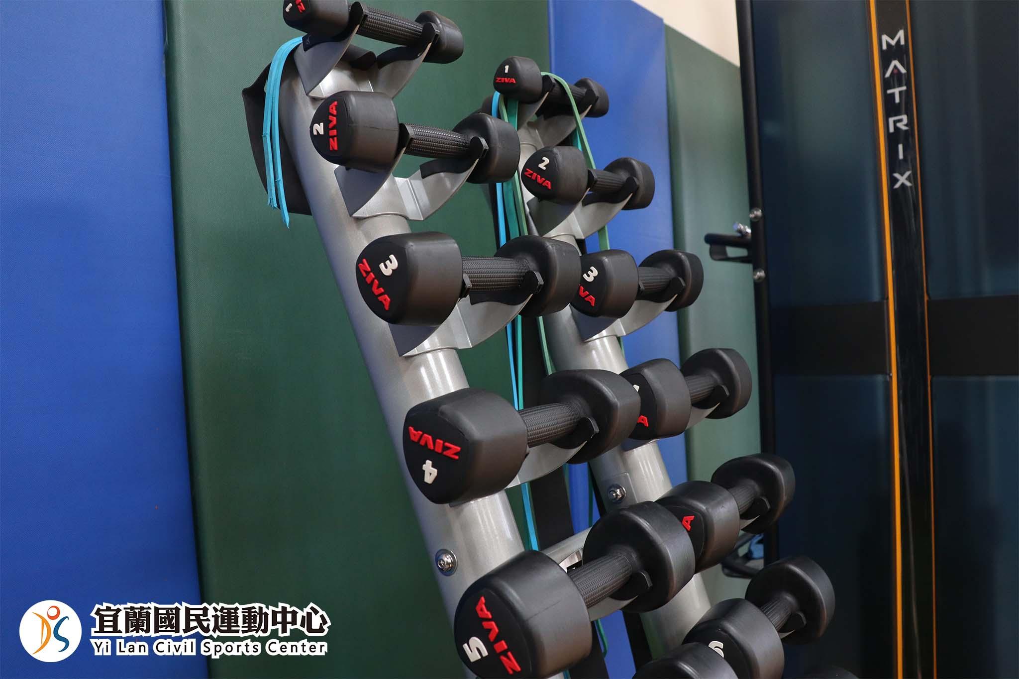 體能訓練室啞鈴器材(JPG)