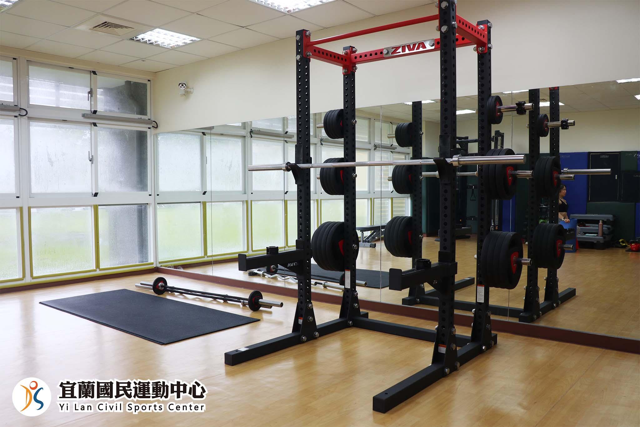 體能訓練室深蹲架(JPG)