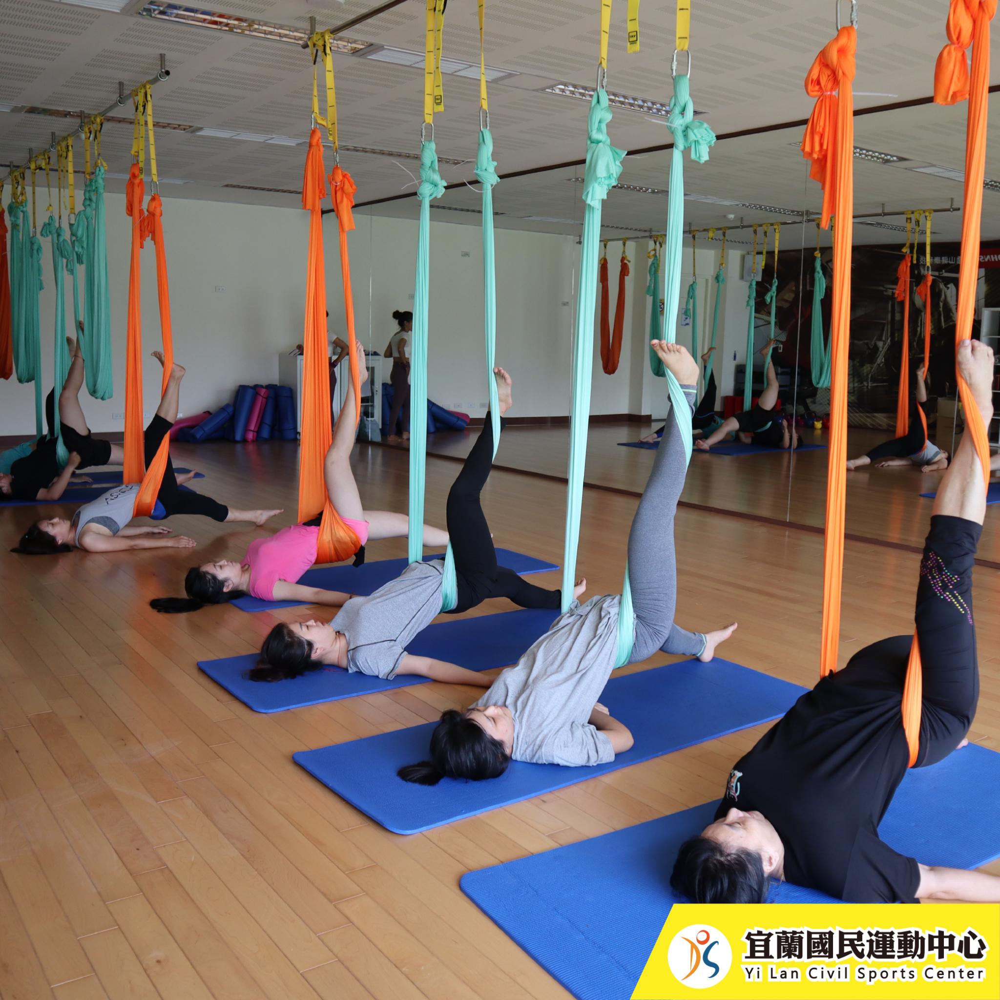 空中瑜珈-上課情況(JPG)
