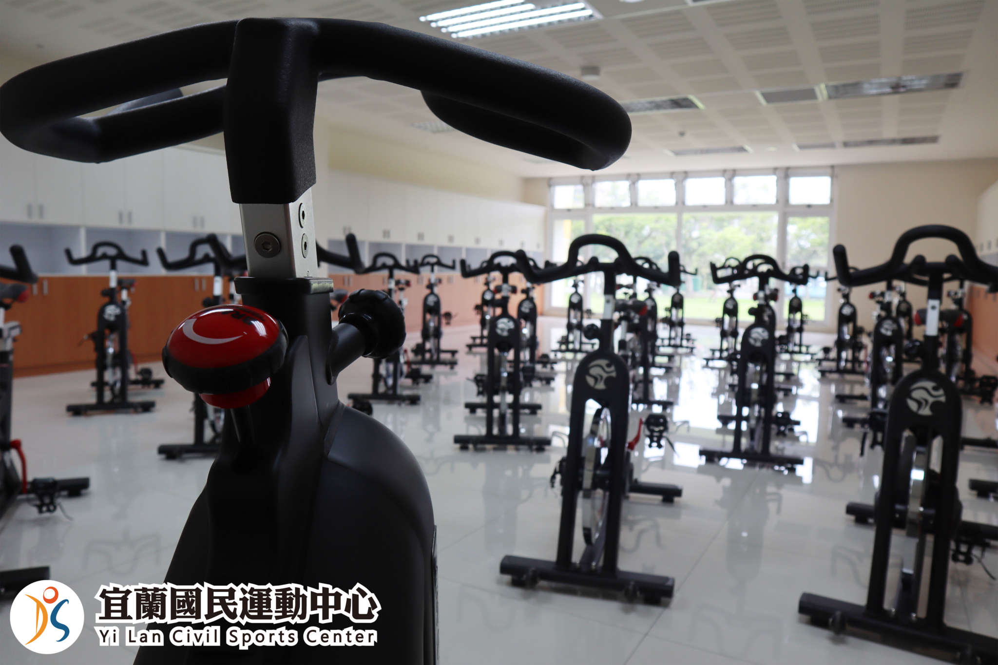 飛輪教室使用新高規格飛輪健身車(jpg)